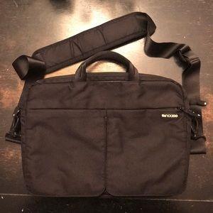 Incase 13inch laptop messenger bag